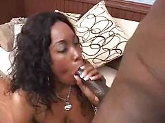 Sexy Ebony Amateur Babe Loves To Suck Her Mans Long Cock